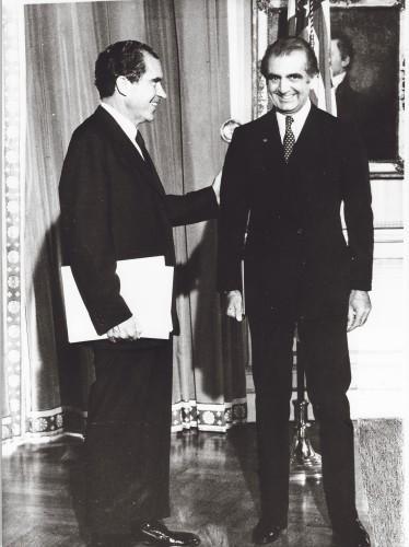 امیر اصلان افشار و ریچارد نیکسون در کاخ سفید 1969